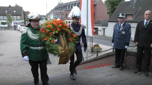 Schuetzenfest2020-Kranz-niederlegung